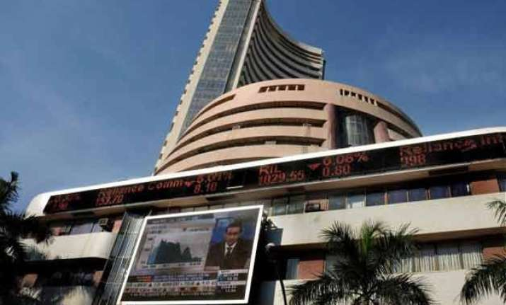 sensex jumps 350 points in early trade on global cues