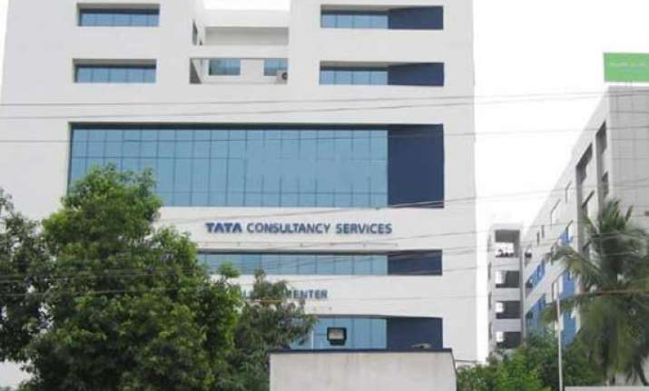 tcs to hire 35 000 freshers in fy16