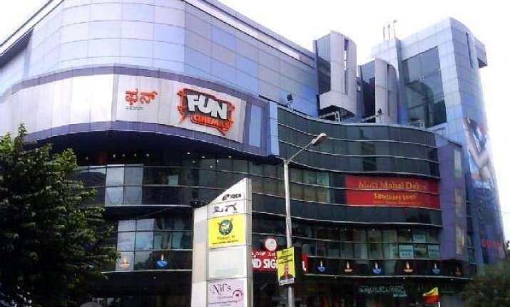 mexico s cinepolis acquires fun cinemas