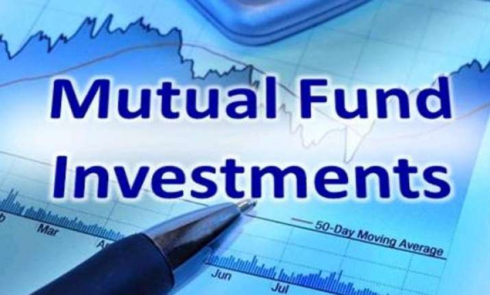 mutual funds buy rs 6 000 cr shares in august
