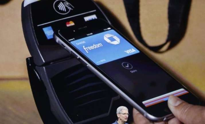 retail skirmish blocks apple pay at checkout line