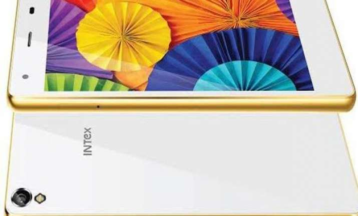 intex aqua ace light and good mid range performer