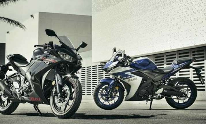 yamaha launches sports bike yzf r3 at rs 3.25 lakh
