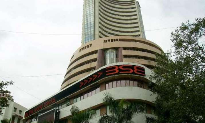 sensex closes 148 points up at one month high