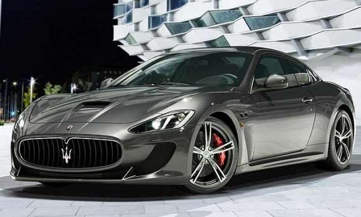 italian luxury carmaker maserati drives into india