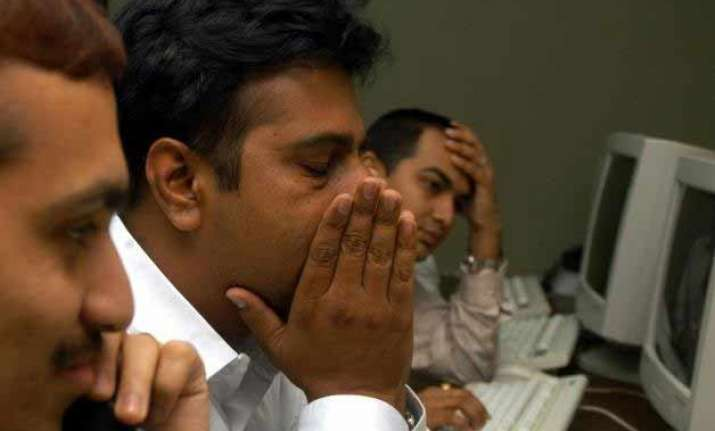 sensex tumbles 378 points nifty cracks 7 700 on global rout