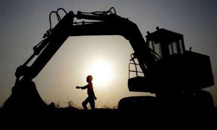 india mulls measures to push stalled projects