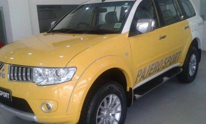 mitsubishi pajero sport dual tone launched at rs 23.50 lakh