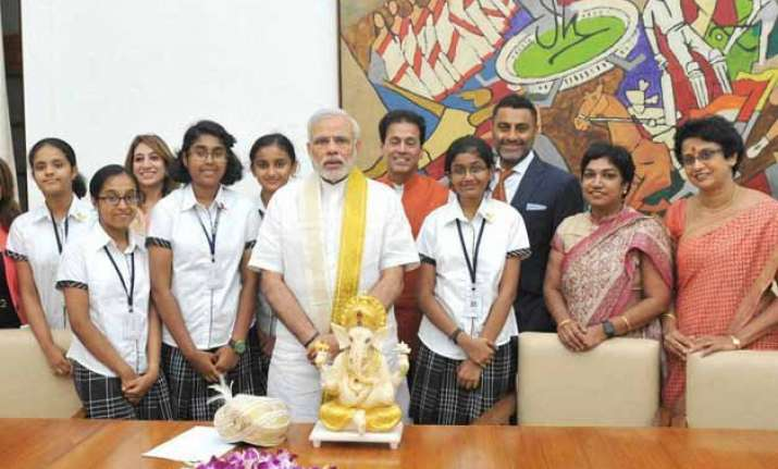 pm modi lauds bengaluru girls for app to implement swachh
