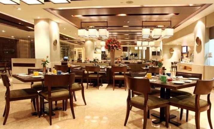 swachh bharat may add 1 cess to 5 star hotel bills