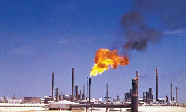 oil prices dip to 5.5 year lows hampered by oversupplies