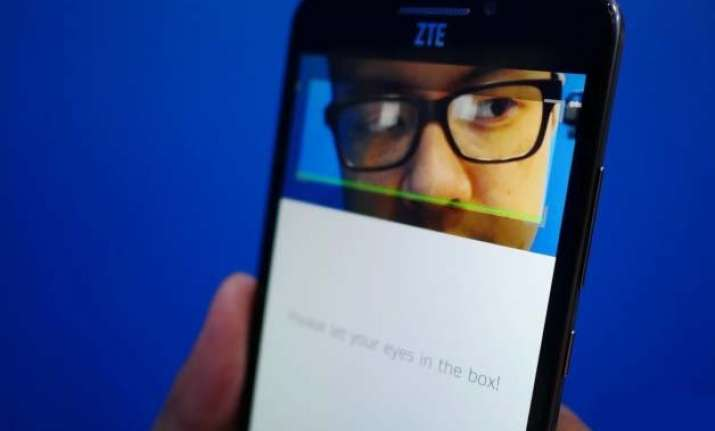 mobile world congress 2015 unlock the zte grand s3 with