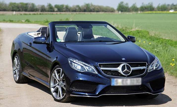 Mercedes benz launches e class cabriolet i indiatv news for Mercedes benz cl 250 coupe