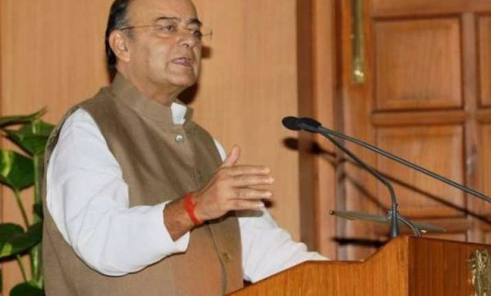 arun jaitley to meet it officials to review revenue