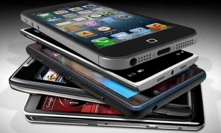 smartphones new sleeping partners in india survey