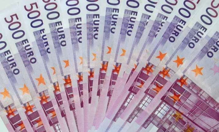 euro hits 9 year low of 1.18