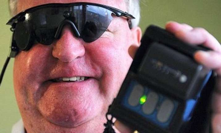 bionic eye allows blind man to see for the first time in 33