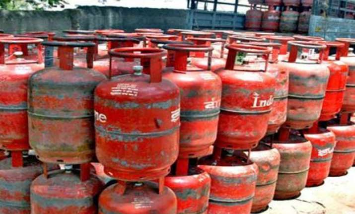 govt exempts ongc oil from lpg subsidy payments