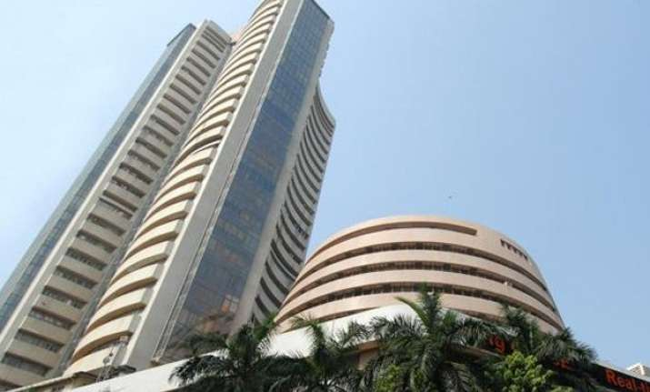 sensex tanks 476 points in early trade on weak global cues