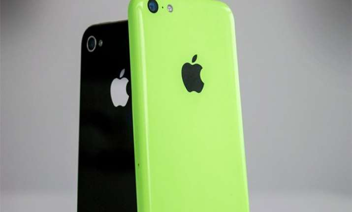 apple to quit selling iphone 4s 5c models from india report