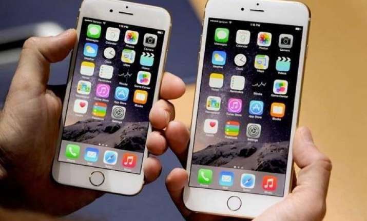 apple s iphone 6 iphone 6 plus pre ordering in india begins