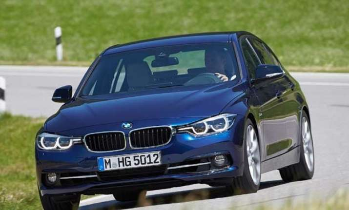 what s new in bmw s updated version of 3 series sedan
