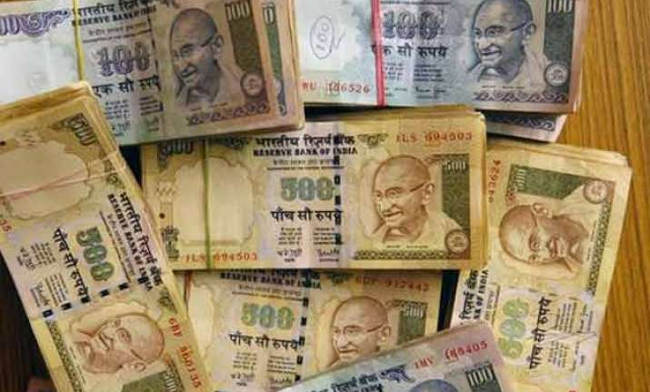 rs 27 000 crore lying unclaimed in epf labour minister
