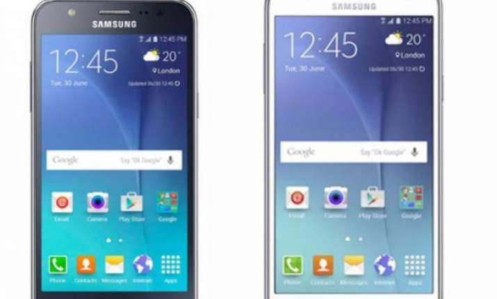 samsung galaxy j7 and j5 get launched in india at rs 14 999