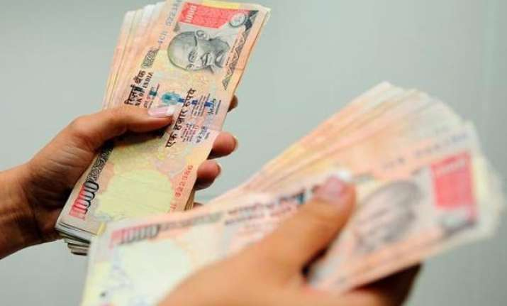 10.5 salary hike likely across sectors in 2016 survey