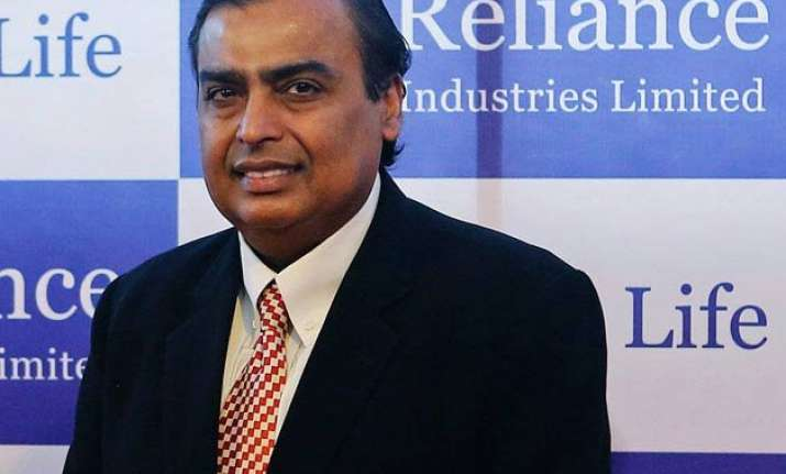 ril s mukesh ambani gets 205 times of median pay itc s