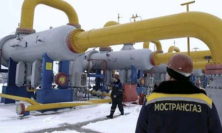 natural gas price to be cut by 10 to usd 5.02/unit from apr