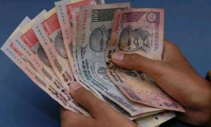 govt to increase dearness allowance to 107 up from 100