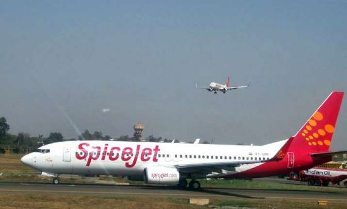spicejet indigo others offer festive season discount