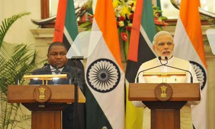 mozambique president meets pm modi seeks greater indian