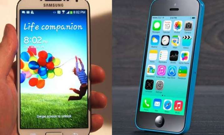 apple samsung declares discount battle sell almost 1 lakh