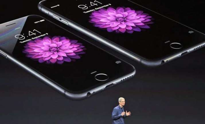apple posts biggest ever quarterly profit by a public co of
