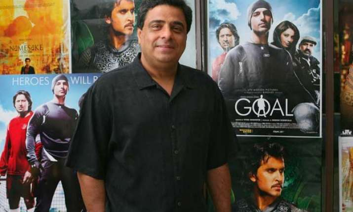 ronnie screwvala ventures into online education space