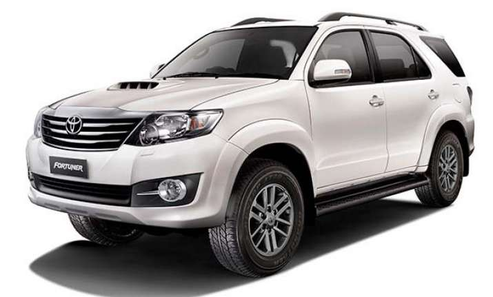 toyota launches 2015 fortuner 4x4 at and innova