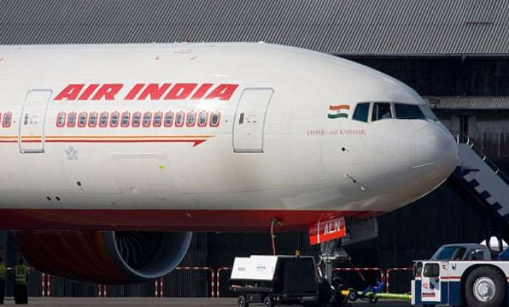 air india to hire around 100 co pilots to cut flight delays