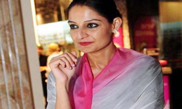 dlf s pia singh resigns from post of whole time director