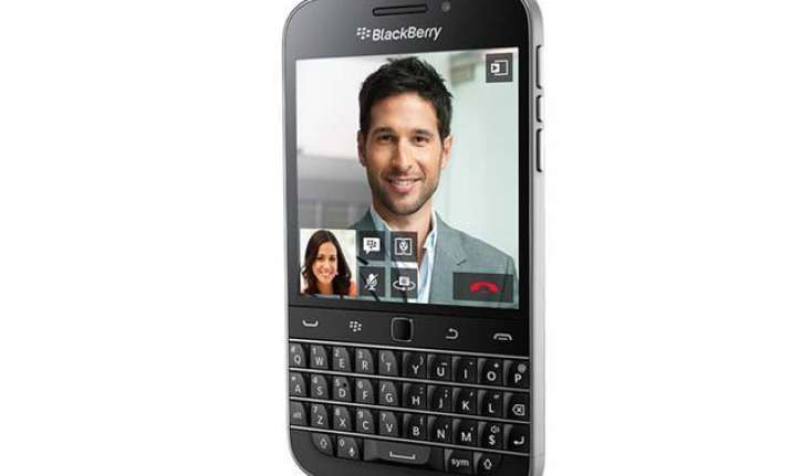 blackberry classic launched in india at rs 31 990