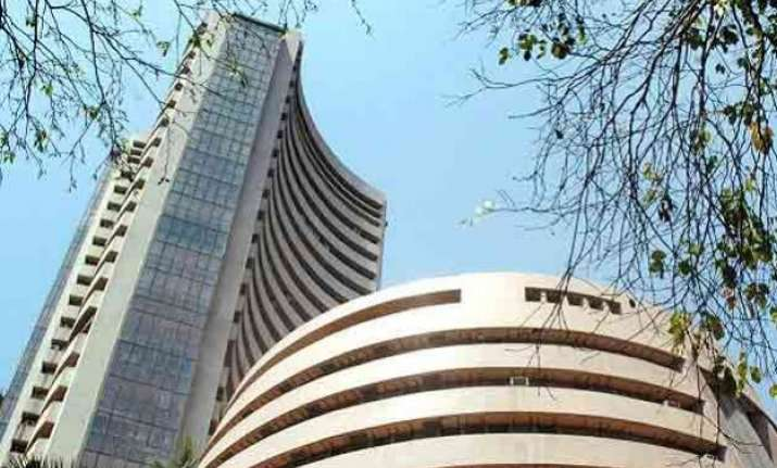 sensex up 220 pts in early trade ahead of iip inflation data