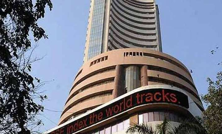 sensex gains 262 points in early trade ahead of budget