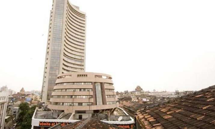 sensex on a firmer footing up 95 points in early trade