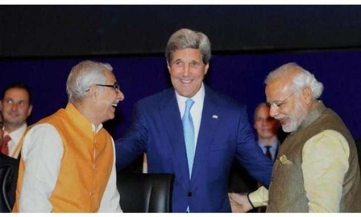 vibrant gujarat kerry calls for greater indo us economic