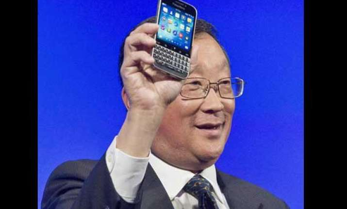 blackberry launches classic in last ditch effort