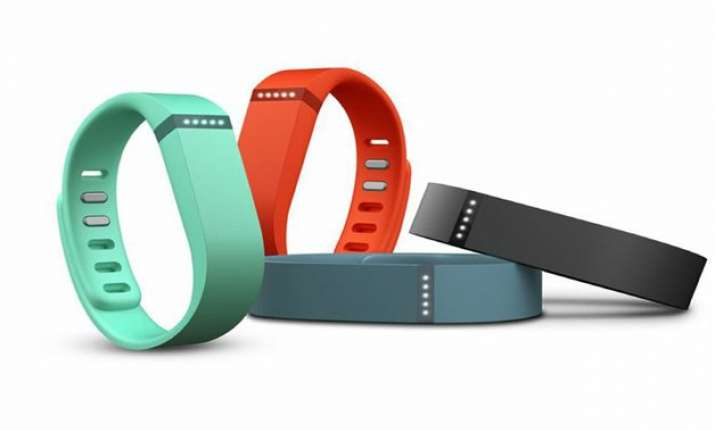study finds fitbit helps monitor physical activity of