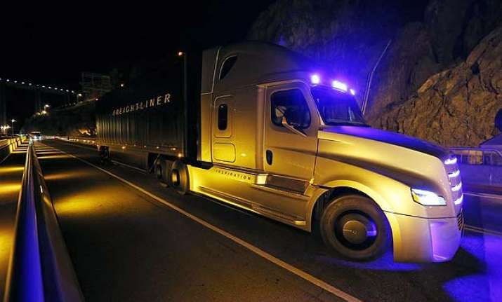 this is the world s first self driving semi truck