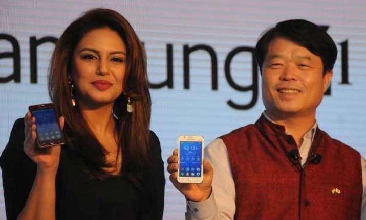 samsung z1 smartphone with tizen operating system launched