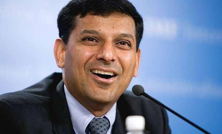 rate cuts raghuram rajan says watching monsoon impact on